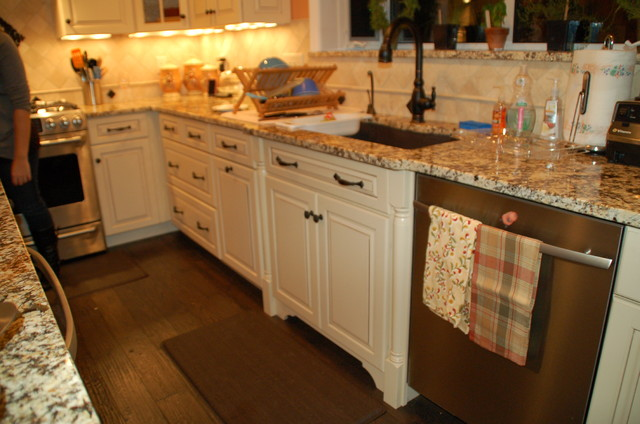 Tye Valentino Designs traditional-kitchen