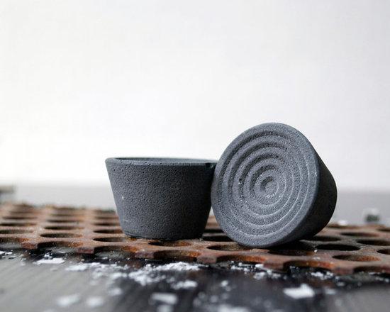 MYRTLE Concrete Knob - charcoal - Kathryn Wozniak