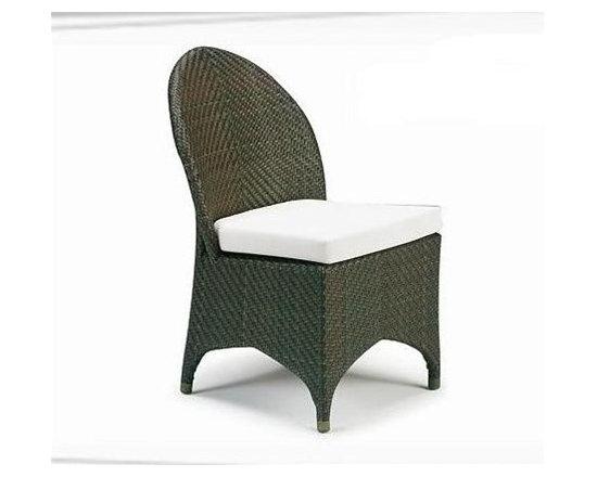 Robin Patio Chair w/ Seat Cushion - Features: