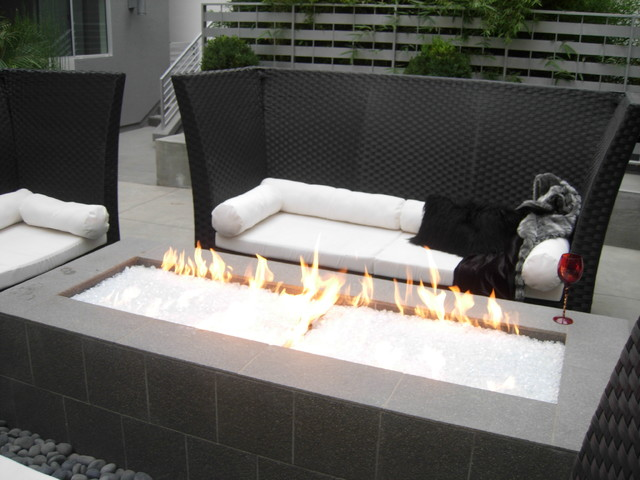 West Side - Los Angeles - courtyards modern-fire-pits