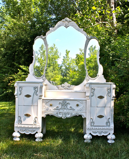 Antique Vanity Makeover traditional