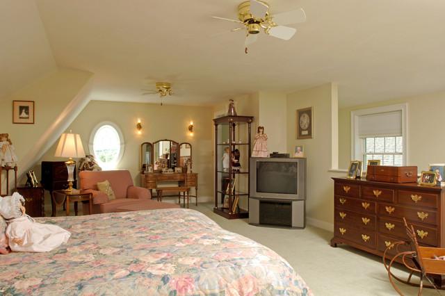 Lyndeborough, NH traditional-bedroom