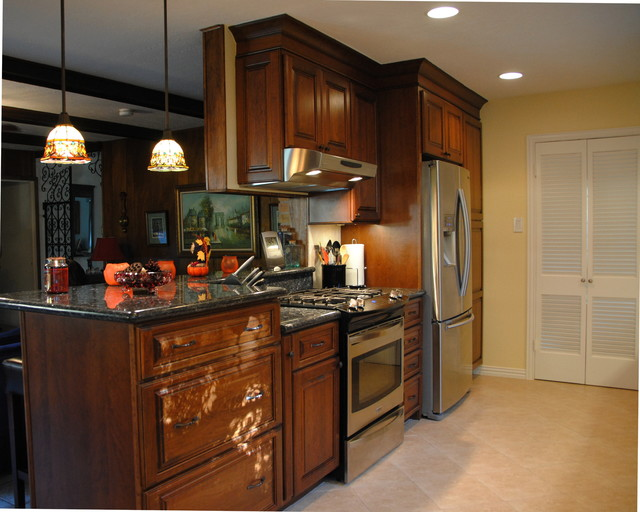 Kitchen Makeover - Legal Eagle - Kitchen Cabinetry - houston - by The ...
