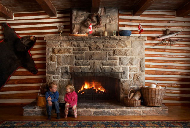 Cottage life eclectic-family-room