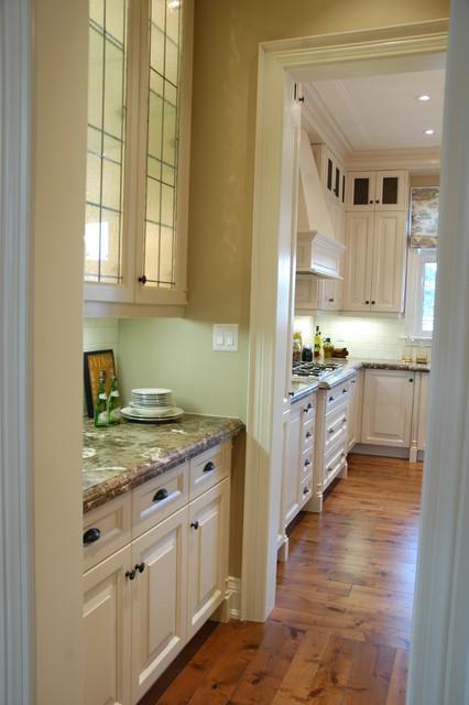 Custom Kitchen Cabinets White