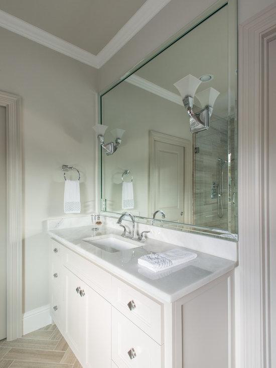 Bianco Levantina marble bathroom -