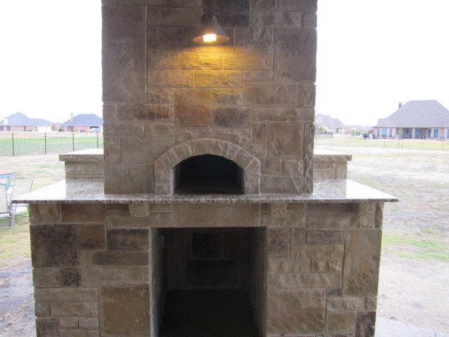 Pizza oven with outdoor kitchen