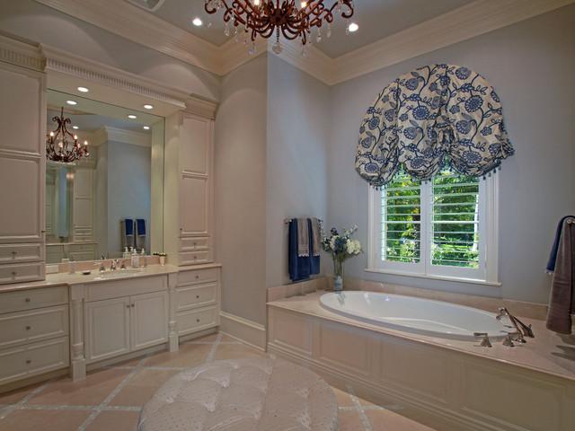 Ruffino Cabinetry traditional-bathroom