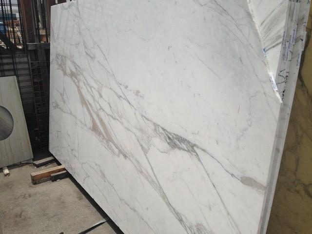 Granite Slab Yards : Royal Stone & Tile Slab Yard in Los Angeles - Traditional - los ...