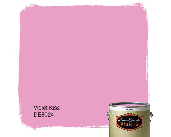 Dunn-Edwards Paints Violet Kiss DE5024 -