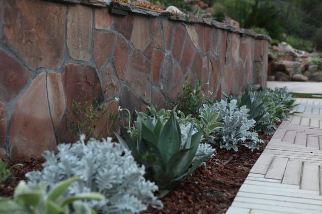 Backyard landscape design ideas mediterranean for Backyard landscaping ideas san diego