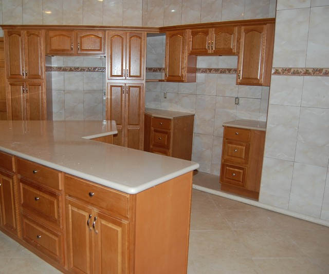 Kitchen cabinets western nassau modern kitchen cabinetry for Western kitchen cabinets