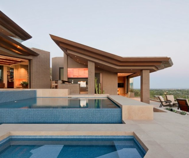 Picasso Outdoor Space contemporary-pool