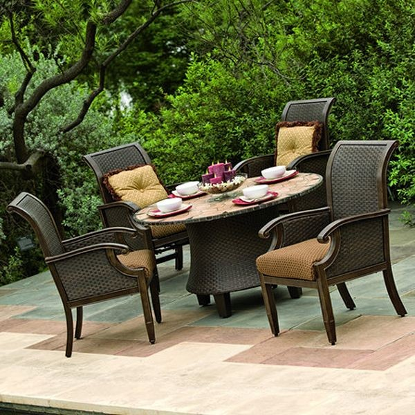 Wicker and aluminum outdoor dining table and chair set for Small patio table and 4 chairs