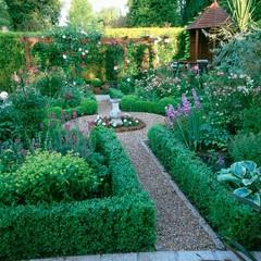 Small traditional garden