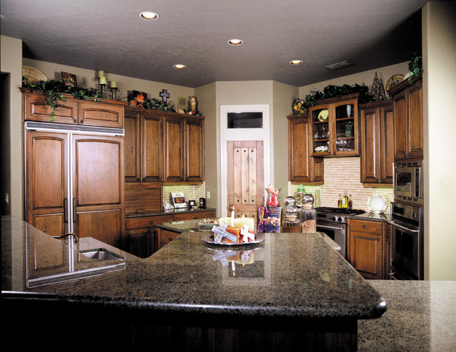Kitchens by Stadler Custom Homes traditional-kitchen