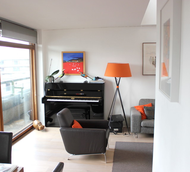 Barbican Centre Residence - 150 sqm - London contemporary-family-room