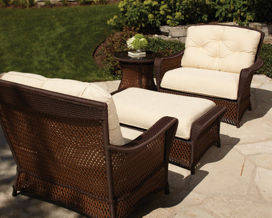 Lloyd Flanders Grand Traverse Lounge Chair Seating - Enjoy a patio moment with Lloyd Flanders Grand Traverse lounge chairs and ottoman.