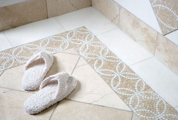 Model Mosaic Tile
