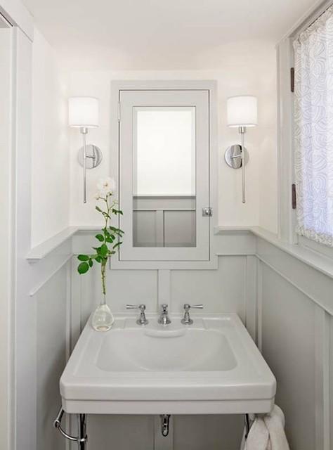 Maine Beach House traditional-bathroom