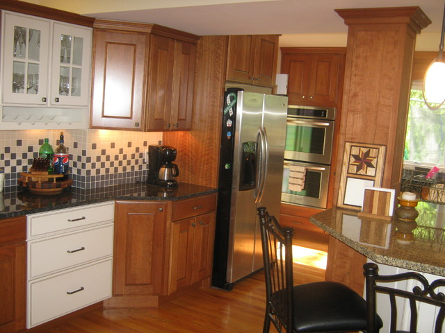 Delhagen project traditional-kitchen-cabinets