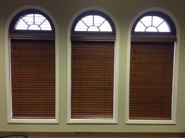 Flora Bank & Trust traditional-window-blinds