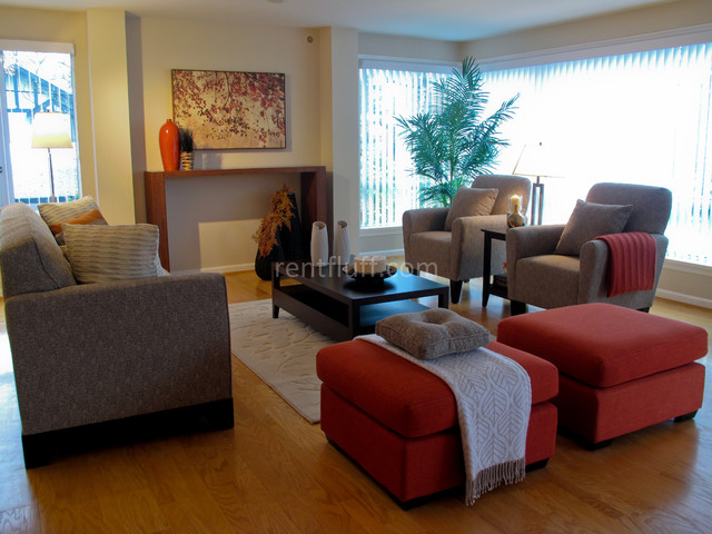 2038-2815 Tolmie Drive contemporary-living-room