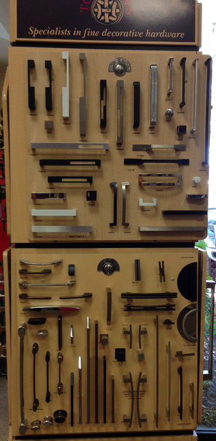 Cabinet & Door Hardware - Contemporary contemporary-cabinet-and-drawer-handle-pulls