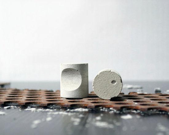 ALICE Concrete Knob - light grey - Kathryn Wozniak