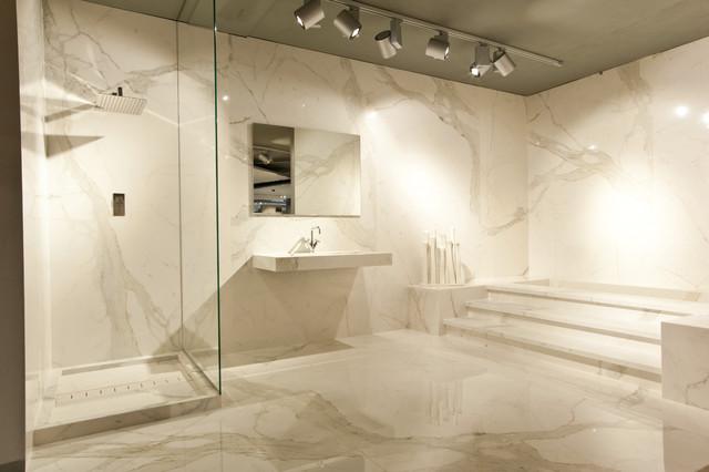 Calacatta Vena Traditional Bathroom By Stonepeak