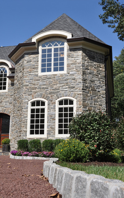 Heritage Mica Thin Stone Veneer traditional-outdoor-products