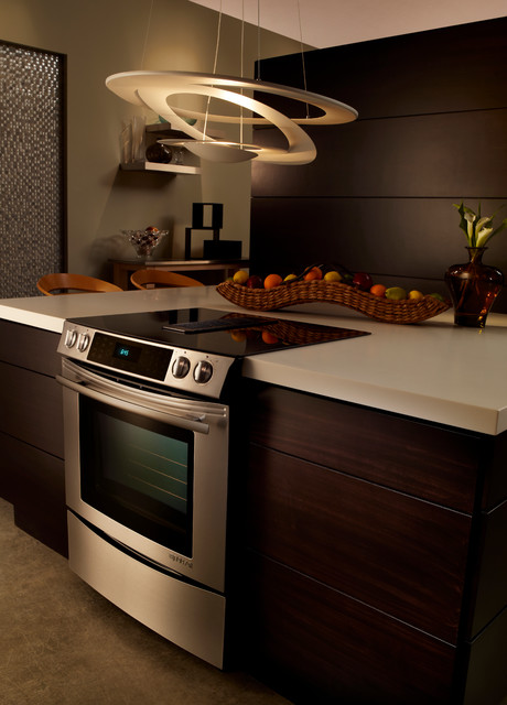 Traditional Gas Ranges And Electric Ranges by Elite Appliance