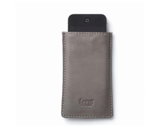 Ferm Living Leather IPhone Case - Give your iPhone a great cover with the Leather IPhone Case by Ferm Living, that not only protects it, but also makes it look even more stylish.