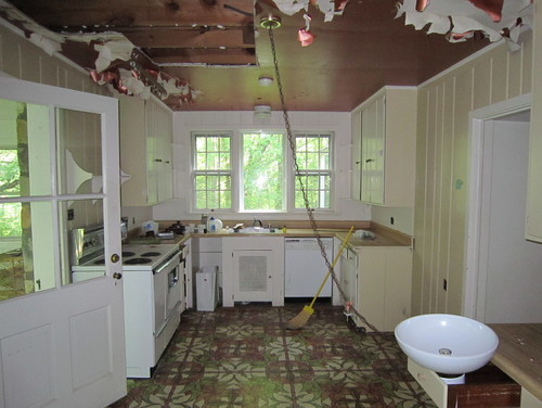 Old farmhouse kitchen for 1930s kitchen floor