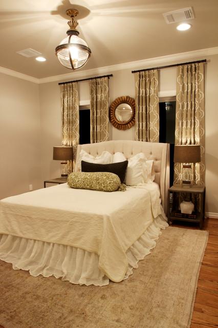 Houston Lakeside Retreat traditional-bedroom