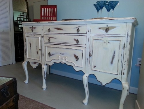 queen anne shabby chic sideboard. Black Bedroom Furniture Sets. Home Design Ideas