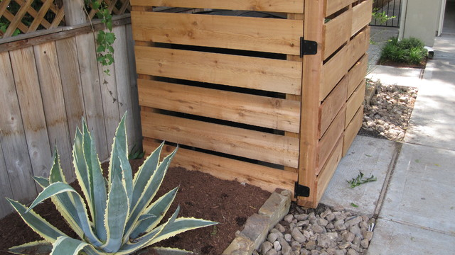 Cedar screens and inclosures. contemporary-landscape