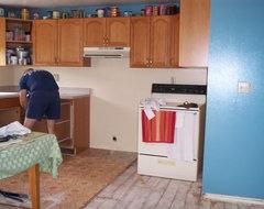 Find best paint color that goes w/1995 honey oak kitchn cabinets?