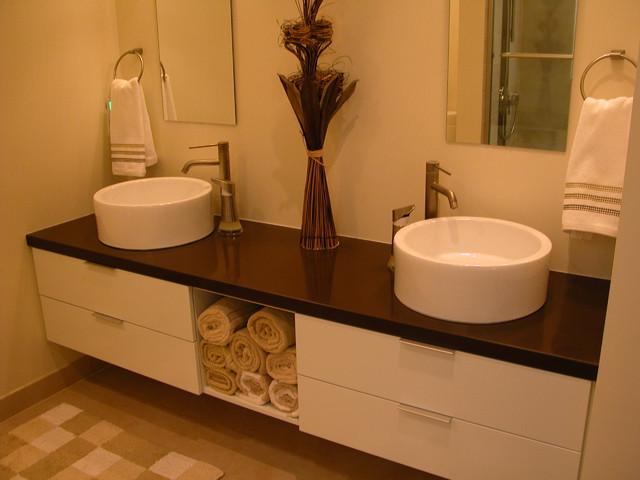 Butler contemporary-bathroom