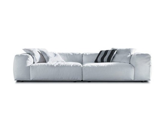 Pianca - Pianca | Delano Composition 1 Sofa, Wide - Design by R&S Pianca. Made in Italy by Pianca. Fall into a world of relaxation with the Delano Composition 1 Sofa, Wide. Composed of a low back rest and a large, plush body, the sofa invites tired bodies to rest and enjoy the comforts of its design. Easily enhance your living arrangement with a sofa that effortlessly adapts and compliments any situation while providing you with comfort. Turn your home into a comfortable, yet stylish, home.