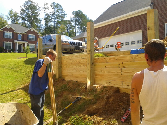 Retaining Wall traditional-landscape