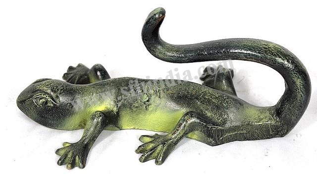 Wall Green Patina Lizard Hook traditional-home-decor