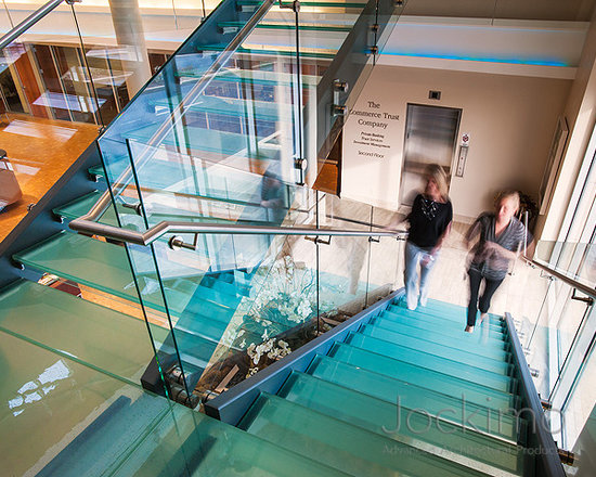 Jockimo glass treads - Client: Commerce Bank - Kansas City, MO