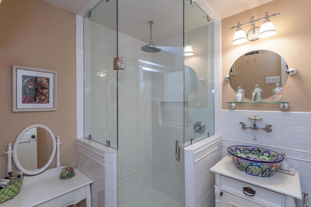 Terrell Lodge For Sale, Terrell Hills, (San Antonio) Texas rustic-bathroom