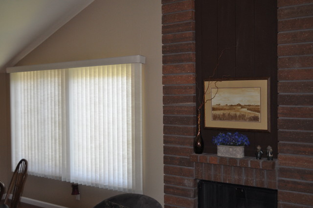 Vertical Blinds, Discovery Bay traditional-vertical-blinds