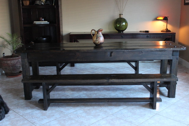 Artisan's Gallery dining-tables