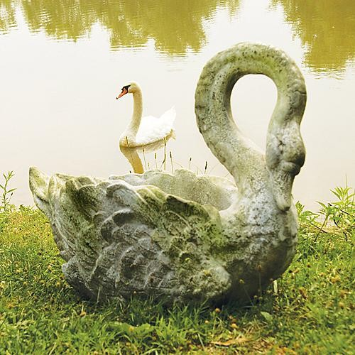 Swan grande panter frontgate traditional outdoor planters by frontgate - Concrete swan planter ...