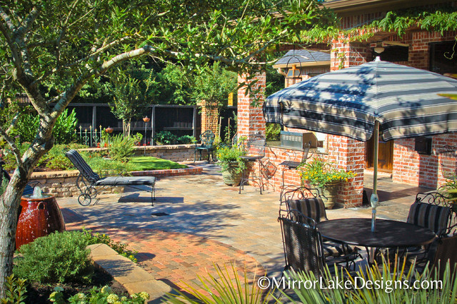 Mirror Lake Designs Courtyards traditional-patio