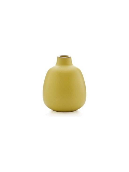 Bud vase in lemongrass - Heath Ceramics new vase collection takes inspiration from the original Heath budvase designed in the 1950s, yet stands out for its refined, contemporary lines. Stunning with or without flowers, as a family, mixed and matched or on their own.