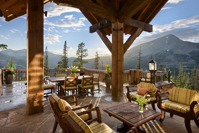 Quartz Residence traditional-patio